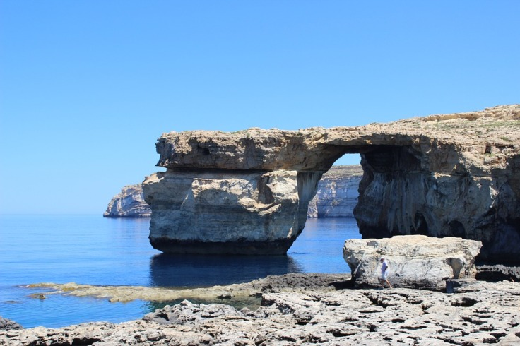 azure-window-277351_960_720